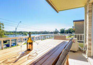 Camelot 4 Pacific Coast Property Network, Balcony overlooking Wallis Lake