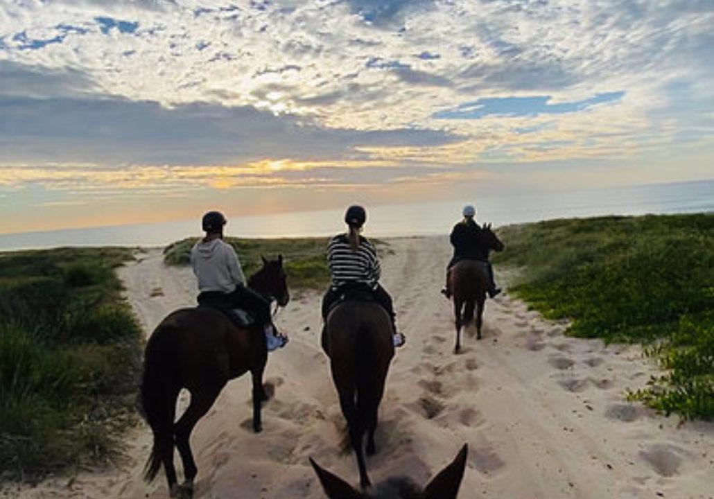 Sunrise Breakfast Horse Riding Tour