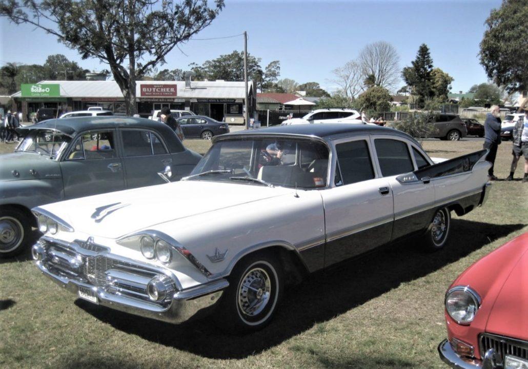 Cundletown Motorshow vintage car