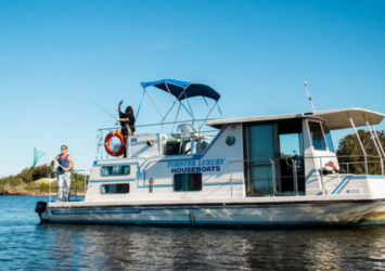 Forster Houseboat Hire