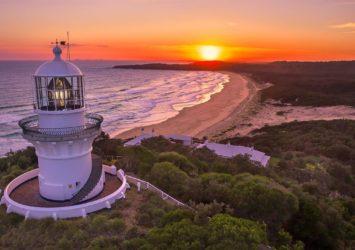 Sugarloaf Point Lighthouse, Seal Rocks, sunrise