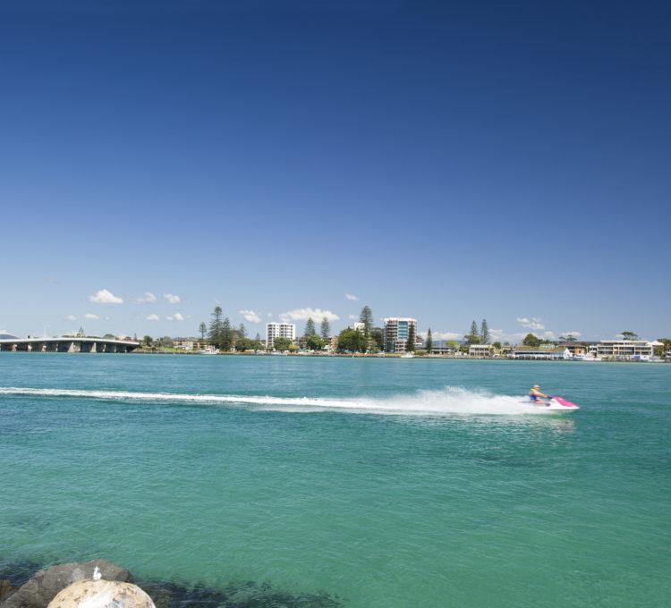 How to holiday on Wallis Lake