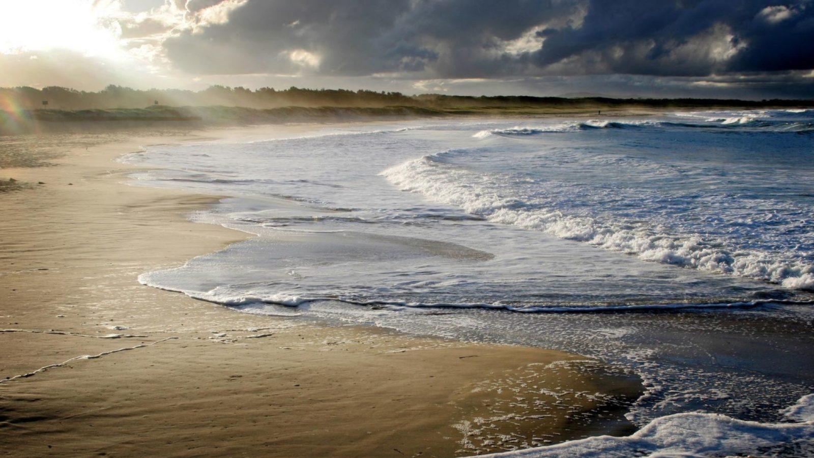 Nine Mile Beach, Tuncurry