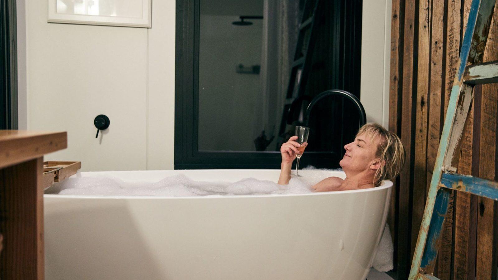 The Ridge Eco cabin bath