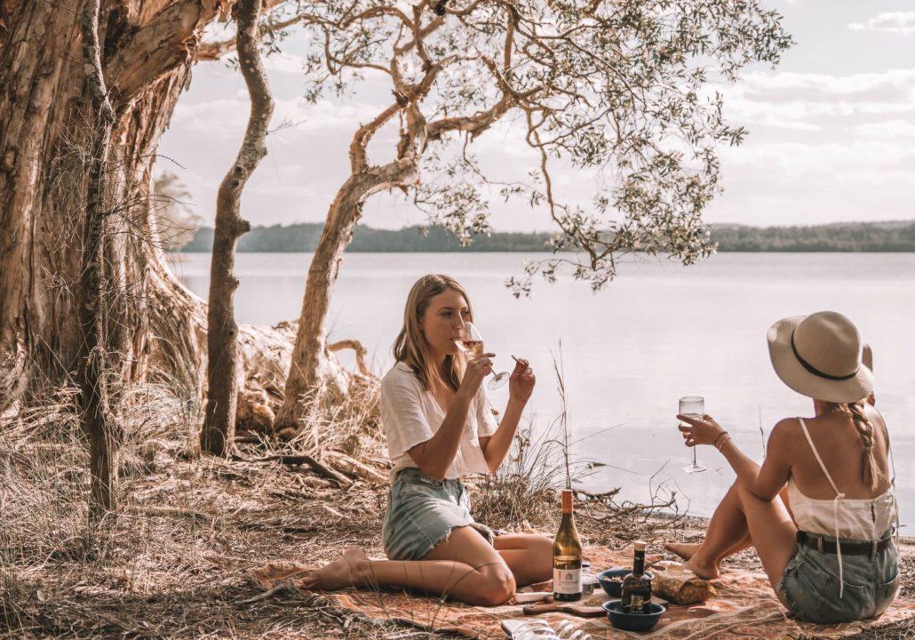 Myall Lakes National Park, lakeside picnic