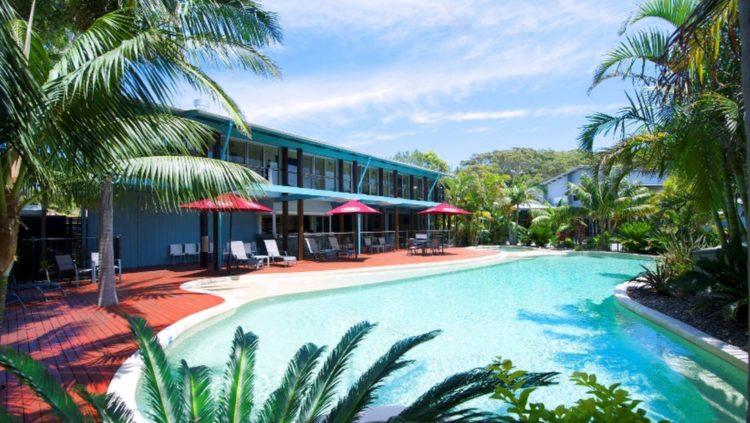 Mobys Beachside Retreat pool